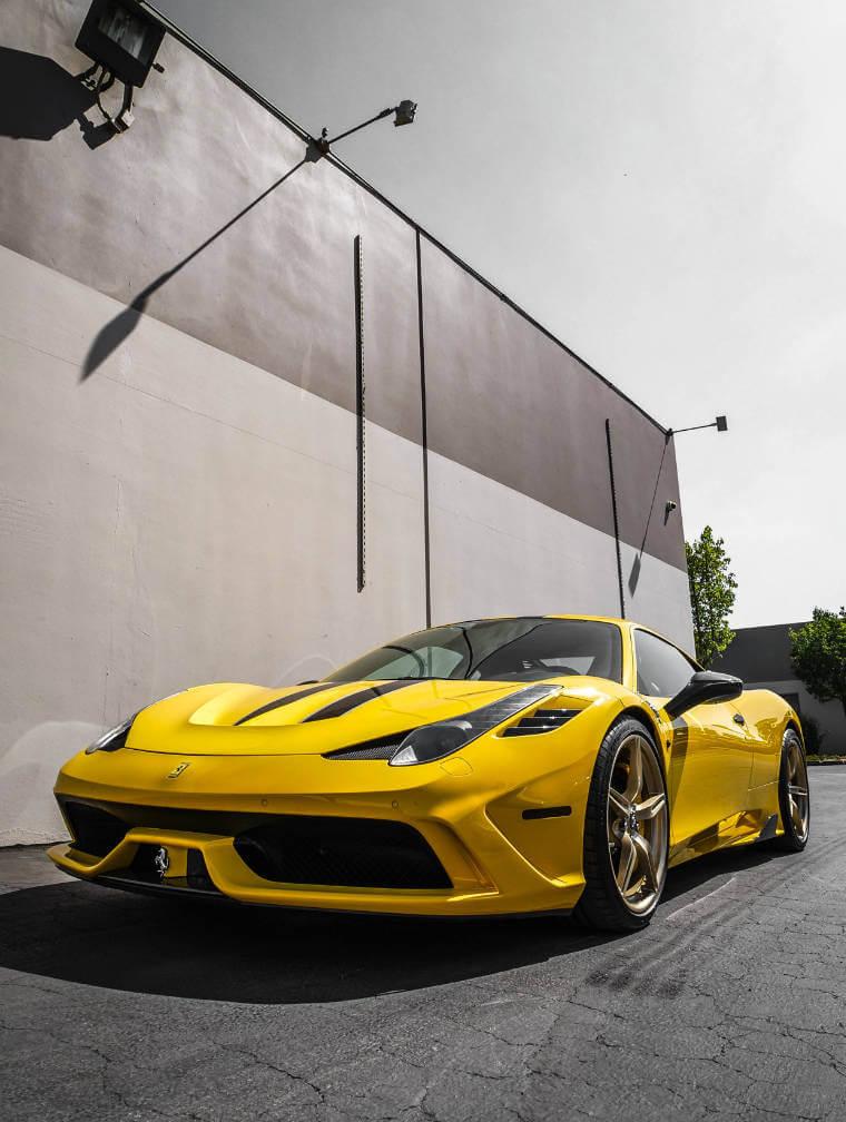 gelber Ferrari - D.K. Sportwagenversicherer